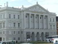 Romania: vista del teatro Ioan Slavici
